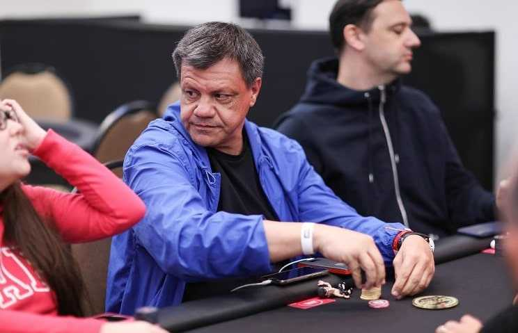 Пауло за покерным столом на PSPC 2019