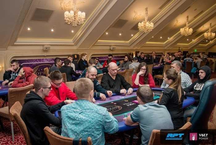 игроки PRT в казино Опера