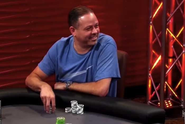 Американский игрок полностью угадал пять карт борда на выставлении (видео)