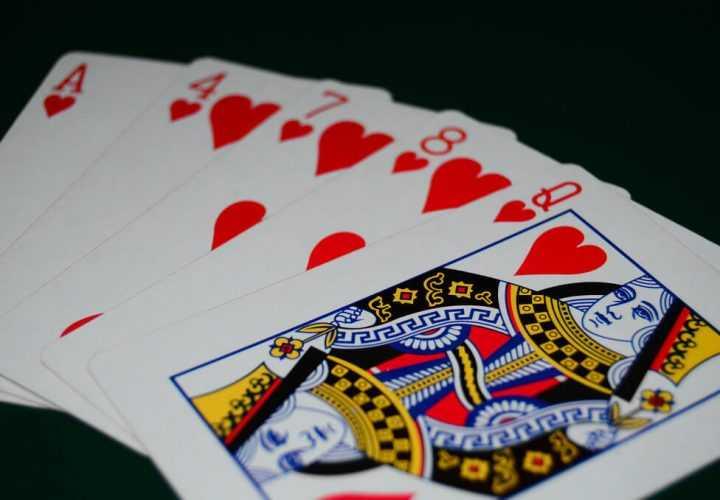Комбинации в покере: значения и основные расклады